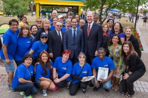 Southwest Employees with the Mayor and Gary