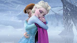 FROZEN SISTER HUG LG[1]