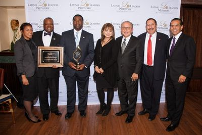 Honorees Executive Rushern Baker of PG County, MD, and Mayor Alvin Brown of Jacksonville, FL, attending the 2015 winter Tribute to Mayors dinner in Washington D.C. , along with Lidia Martinez and Jose Luis Sanchez of Southwest , Chairman Mickey Ibarra, and The Honorable Antonio Villaraigosa.