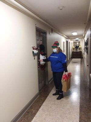 Southwest Employees deliver gifts to residents